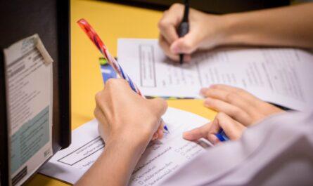 Podpis smlouvy, na základě níž začne čerpání hypotéky.